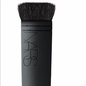 NARS Ita Kabuki makeup contour brush